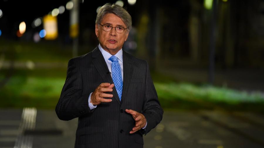 Sergio Chapelin em gravação da Retrospectiva na Globo; apresentador voltará ao SBT para receber o Troféu Imprensa - César Alves/TV Globo