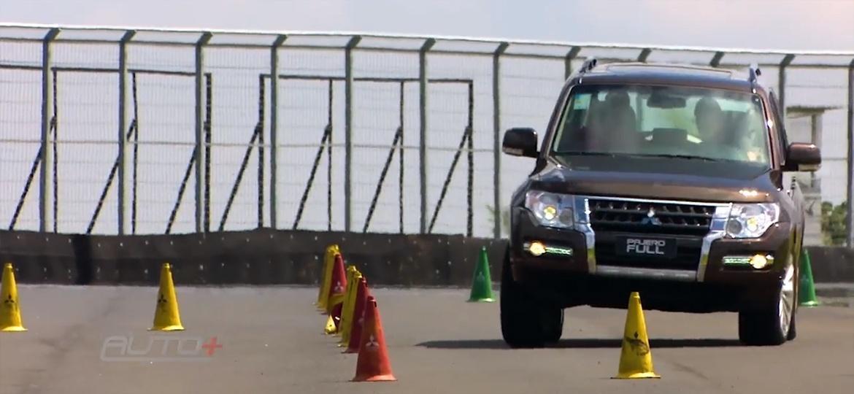e364979bd Tração 4x4 ajuda também no asfalto; assista
