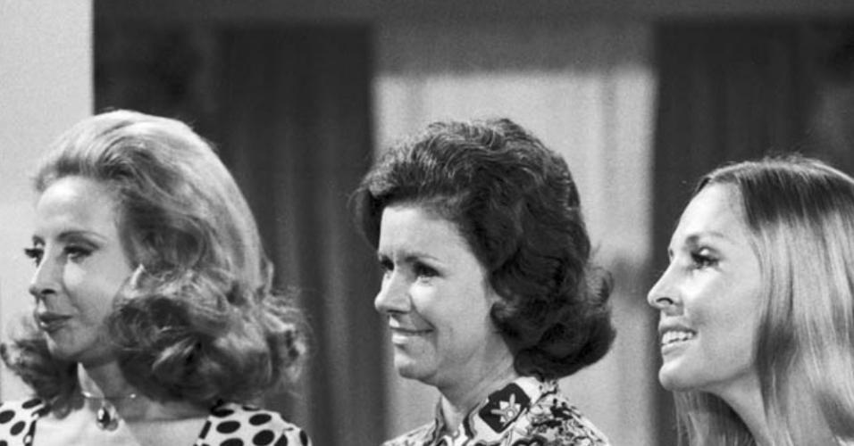 """Célia Biar, Elóisa Mafalada e Irene Singery na telenovela """"A Próxima Atração"""" (1970)"""