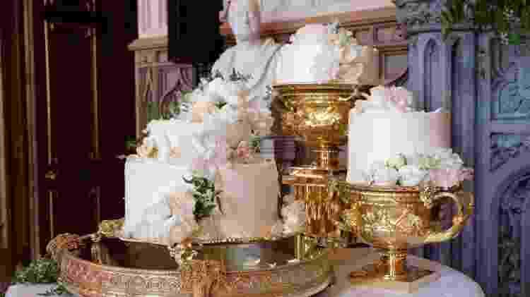 O bolo do casamento de Harry e Meghan - Reprodução/Twitter - Reprodução/Twitter