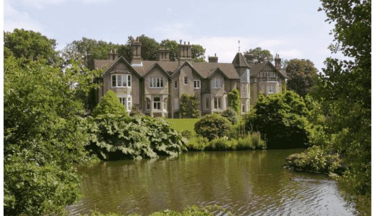 O York Cottage, que teria sido dado de presente à Meghan e Harry - Reprodução/HarpersBazaar.com - Reprodução/HarpersBazaar.com