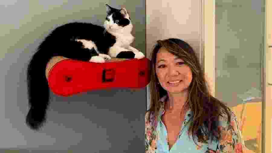 Celi Yamamoto resolveu fabricar arranhadores, pois não gostava dos modelos que encontrava para seus gatos. - Arquivo pessoal