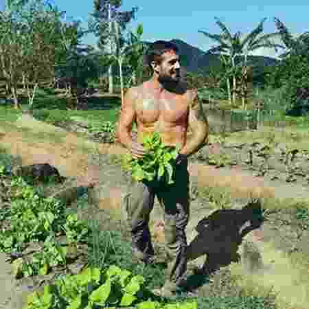 Rafael Cardoso revelou que grande parte de sua alimentação é produzida em sua fazenda, no Rio de Janeiro - Reprodução / Instagram