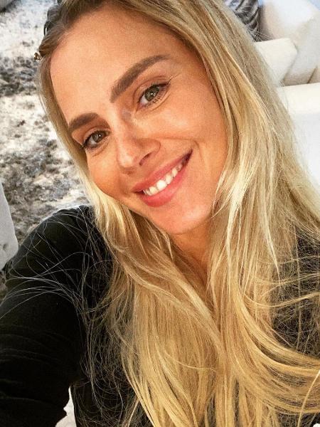 Carolina Dieckmann mostrou clique surpresa com marido - Reprodução/Instagram @loracarola