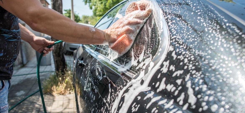 """Produtos atuais substituem receitas """"caseiras"""" na lavagem do seu veículo - Getty Images"""