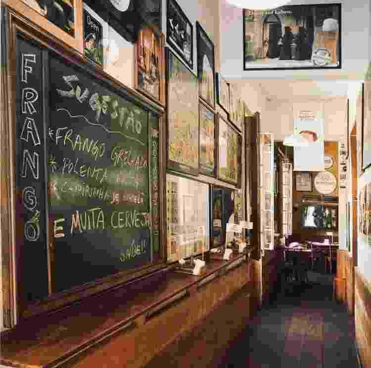 Ambiente do Frangó Bar - Reprodução/Instagram - Reprodução/Instagram