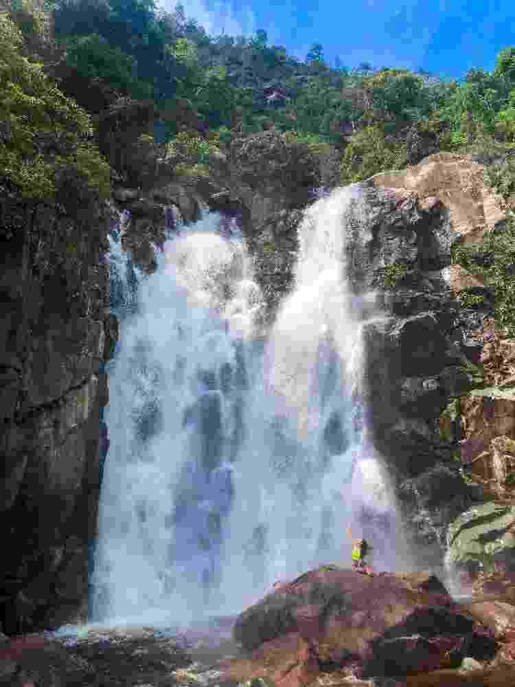 Thayná Mafra Almeida na cachoeira da Laje Verde, em Roraima - Arquivo pessoal - Arquivo pessoal