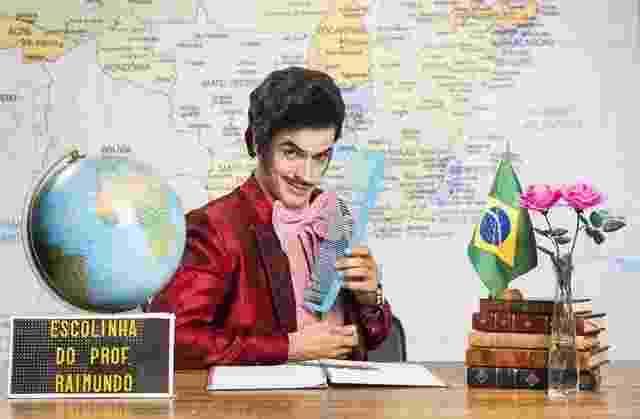 """Mateus Solano interpreta o Zé Bonitinho de Jorge Loredo no especial da """"Escolinha do Professor Raimundo. O personagem é o típico estereótipo do conquistador de mulheres - João Miguel Júnior/TV Globo"""