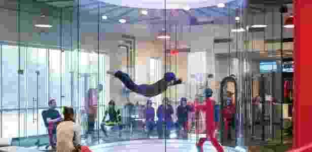 O iFly simula condições reais de queda livre - Divulgação