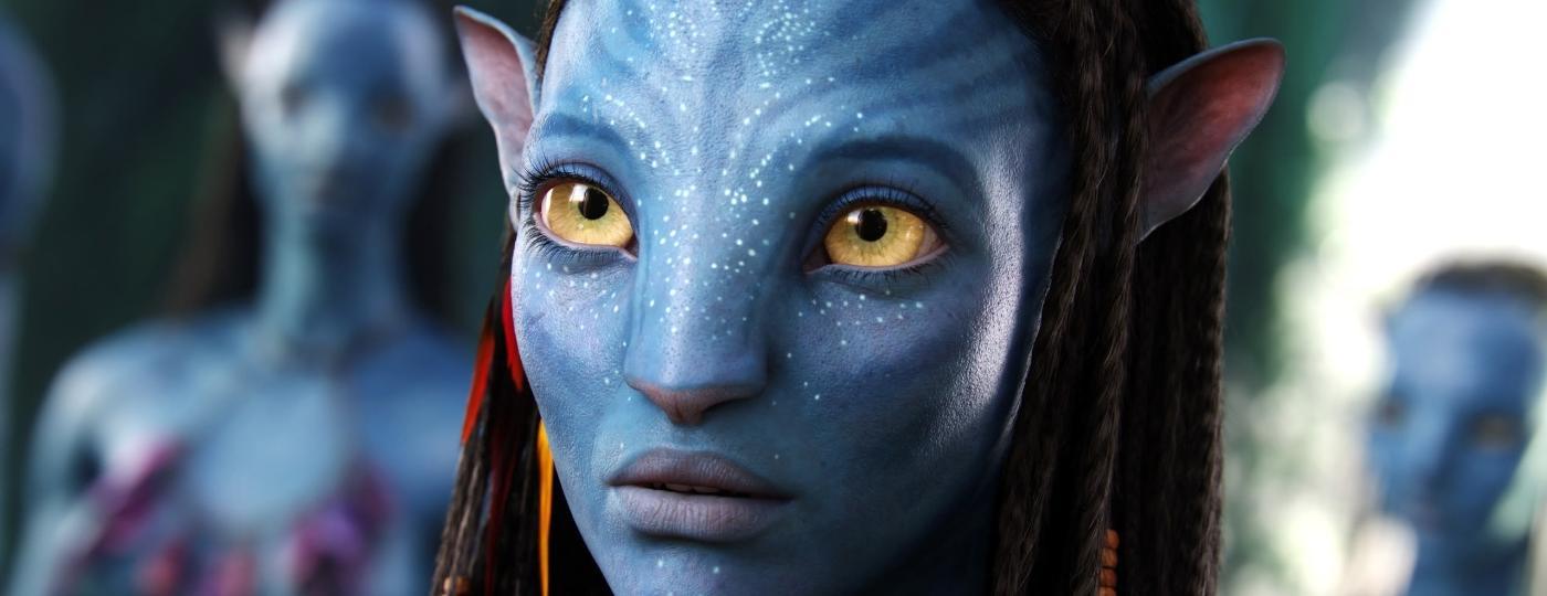 """A atriz Zoe Saldana como Neytiri, em """"Avatar"""" - Divulgação"""