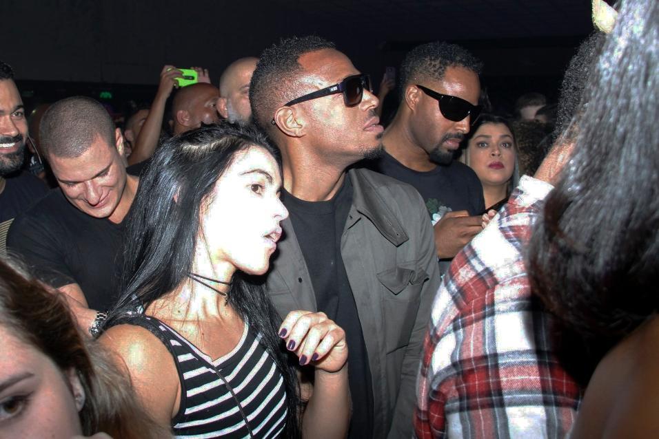 """Na plateia VIP, os astros Shawn Wayans e Marlon Wayans, conhecidos pelo filme """"As Branquelas"""", conferiram de perto a apresentação"""