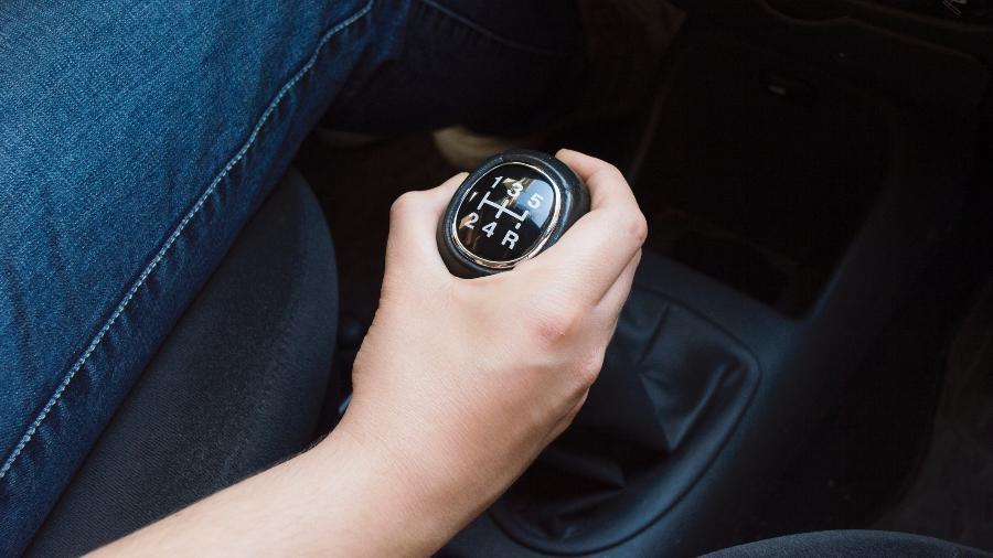 Você já limpou o câmbio do seu carro? Ele pode ter 10 mil bactérias - iStock