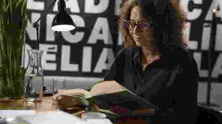 """Andréa Beltrão é uma das convidadas do """"Palavras em Série"""", no GNT - Divulgação / Clara Cosentino"""