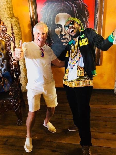 Carlos Alberto de Nóbrega visita casa de Bob Marley na Jamaica - Reprodução/Instagram/calbertonobrega