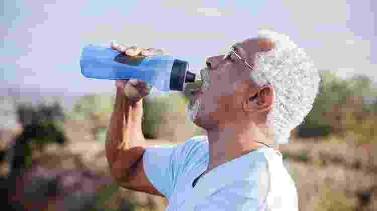 Sede excessiva é um dos sintomas de diabetes - iStock