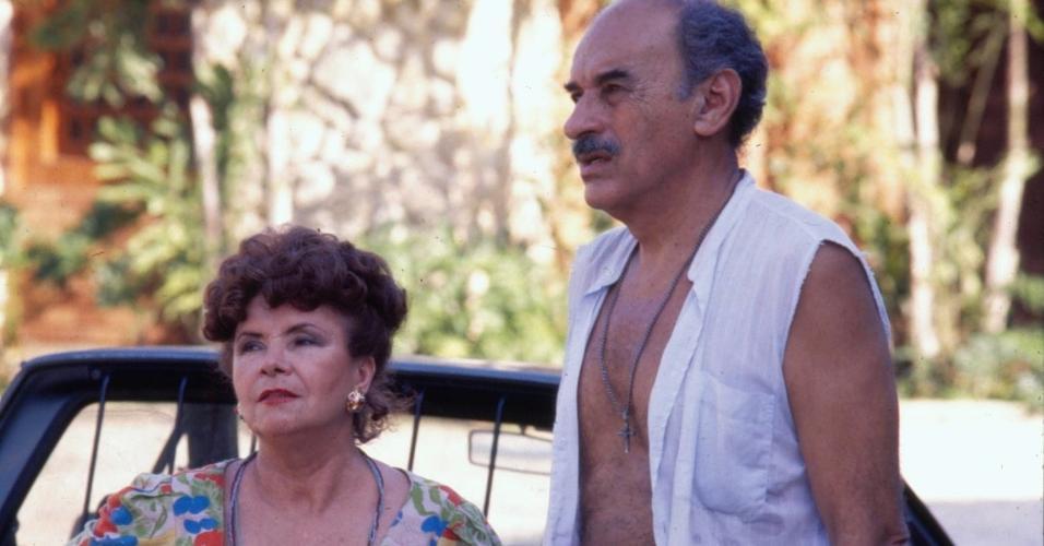"""Eloísa Mafalada e Sebastião Vasconcelos em cena do remake de """"Mulheres de Areia"""" (1993)"""
