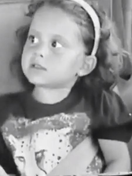 Ariana Grande publica vídeo no qual aparece cantando ainda criança - Reprodução/Twitter