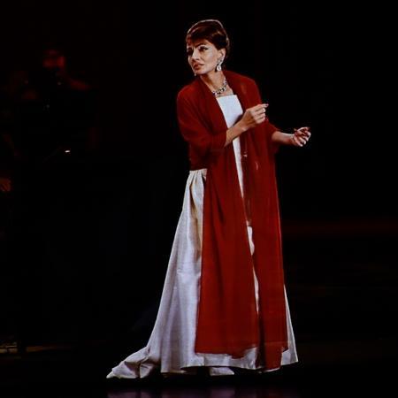 A cantora Maria Callas em holograma - Reprodução