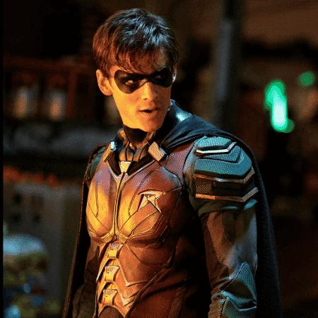 """Brenton Thwaites como Robin em """"Titãs"""" - Divulgação"""