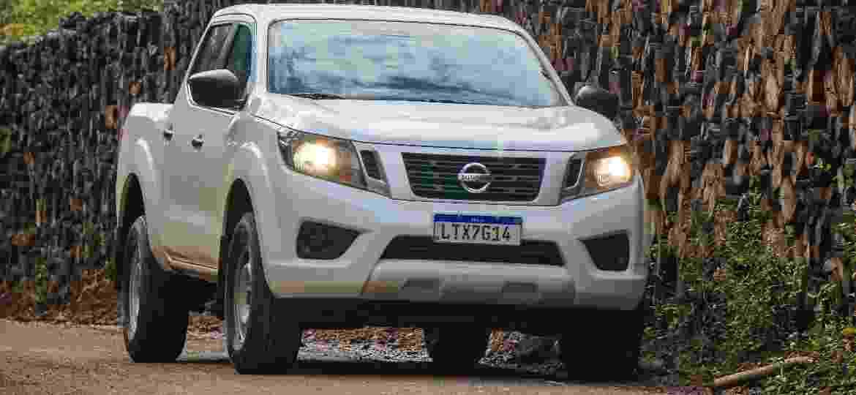 Nissan Frontier mais acessível não tem rodas de liga leve e motor rende 30 cv a menos, porém mantém a robustez - Divulgação