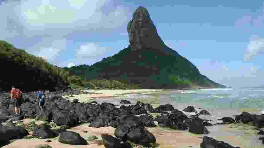 Praia da Conceição, uma das faixas de areia urbanas de Fernando de Noronha - Eduardo Vessoni