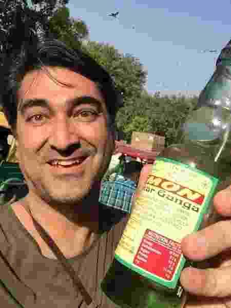 Zeca Camargo provou refrigerante caseiro na Índia - Arquivo pessoal - Arquivo pessoal