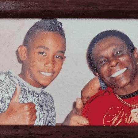 Neguinho da Beija-Flor postou foto com neto Gabriel, morto na madrugada de domingo, ainda criança - Reprodução/Instagram/@neguinhodabeijafloroficial