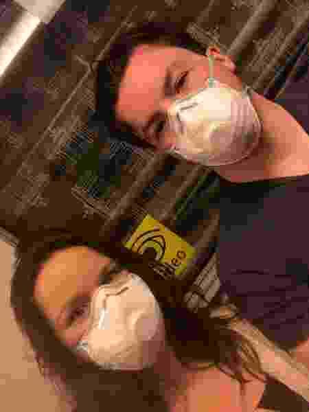 Paola e o noivo Dennis Wien no início da pandemia - Arquivo pessoal - Arquivo pessoal