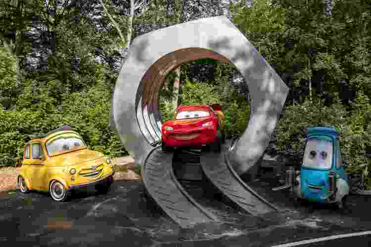 """Cenário da nova atração Cars Road Trip, inspirada na franquia """"Carros"""", sucesso entre as crianças - Getty Images - Getty Images"""