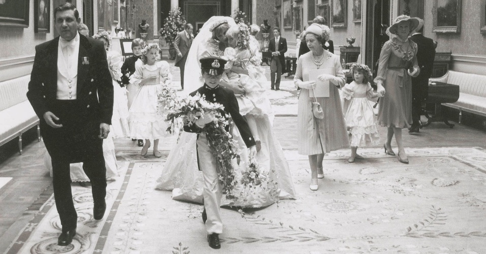 Fotos raras do casamento do da princesa Diana e príncipe Charles