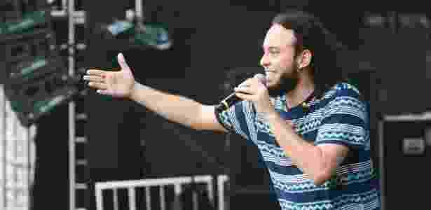 Gabriel, o Pensador, durante um show; músico é dono da empresa que cobra o Santos - Erbs Jr. /Divulgação