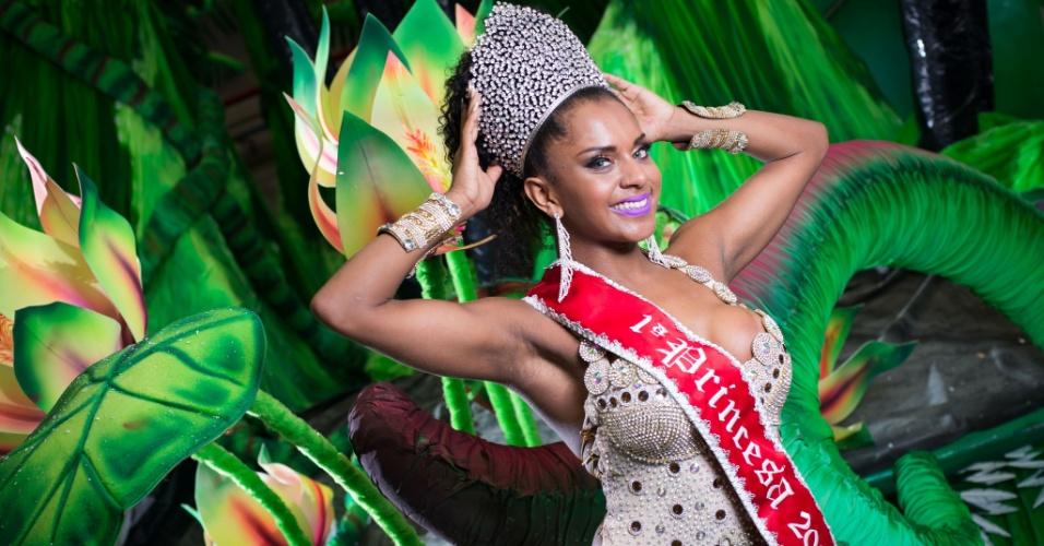 Tarine dos Santos Lopes, da X-9 Paulistana, foi eleita a primeira princesa do Carnaval de São Paulo de 2016 e levou para casa um cheque no valor de R$ 15 mil