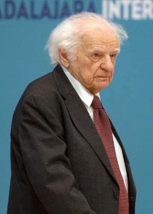 O poeta Yves Bonnefoy, em foto de 2013 - AFP