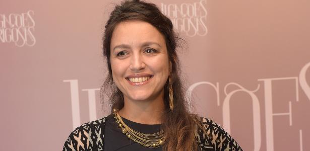 """Manuela Dias é a autora de """"Troia"""", novela na fila das 9, na Globo"""