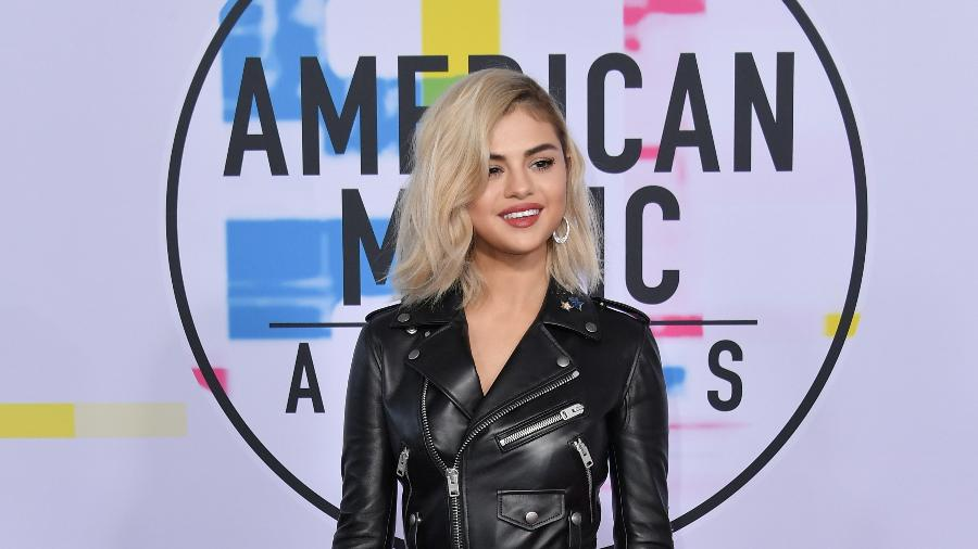 A cantora Selena Gomez no American Music Awards 2017  - Getty Images