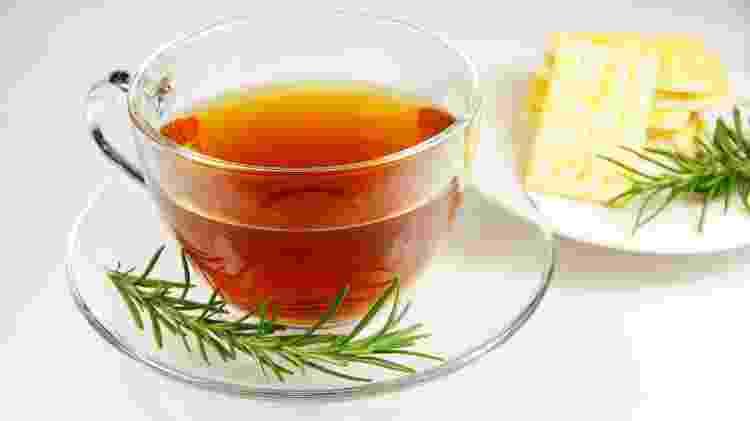 chá de alecrim - iStock - iStock