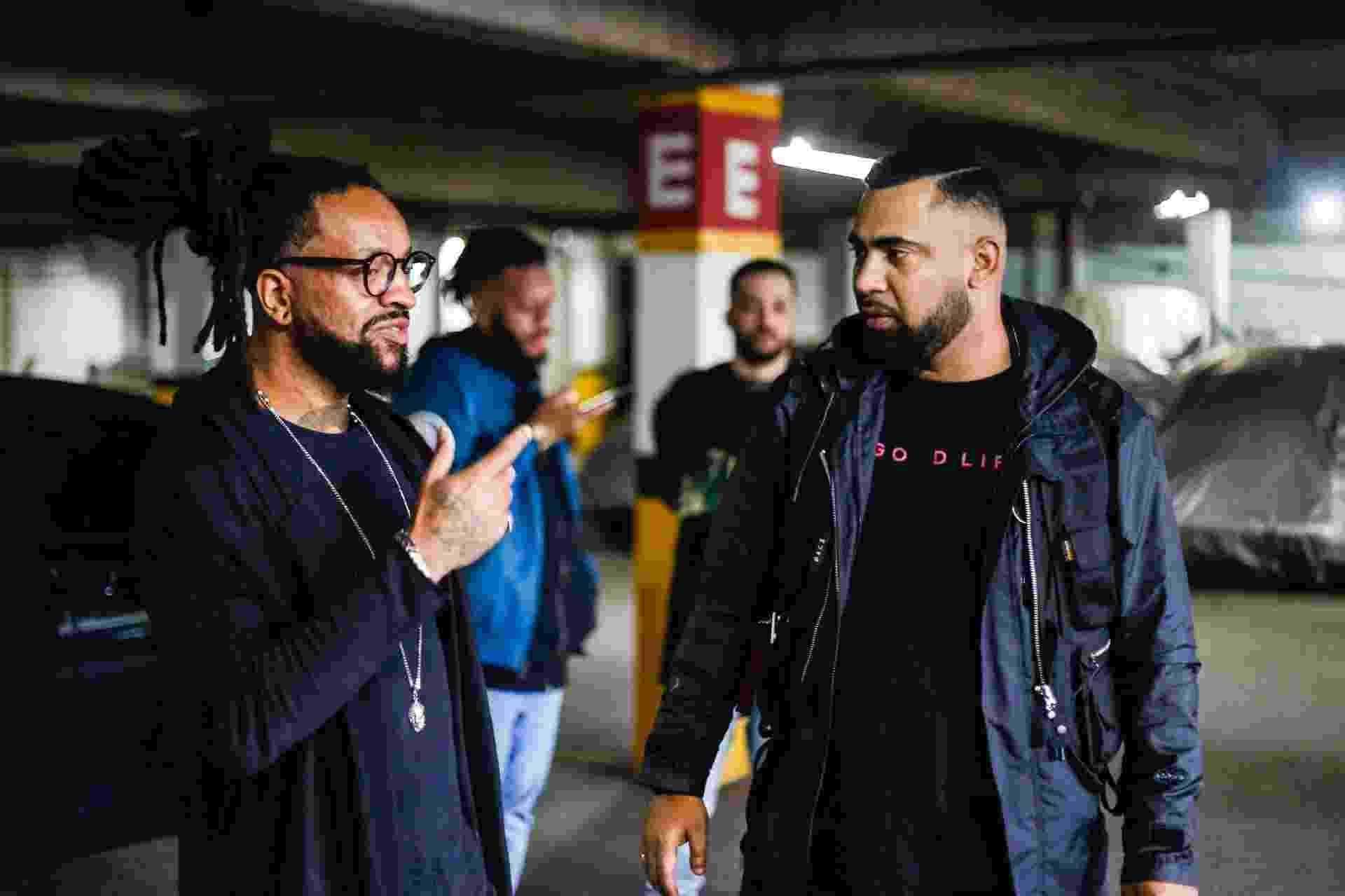 Rael conversa com Devasto durante gravação - Moah Buffalo