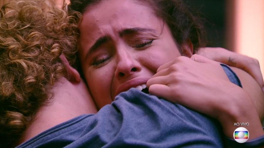 """Hanna se emociona após ser eliminada do """"BBB19"""" - Reprodução/TvGlobo"""