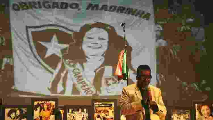 Em vez de missa, Beth Carvalho ganha samba de 7º dia no Circo Voador, no Rio - Júlio César Guimarães/UOL - Júlio César Guimarães/UOL