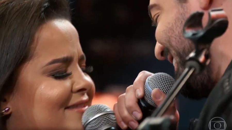 Maiara e Fernando se emocionam ao cantar Amor Perfeito no Altas Horas - Reprodução/TV Globo
