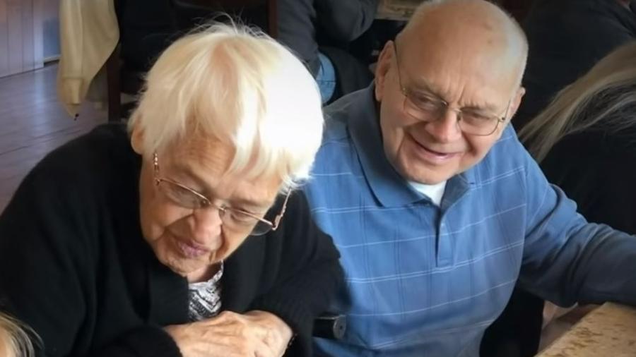 Bob e Corinne Johnson tiveram sete filhos, 14 netos e 15 bisnetos - Reprodução/People