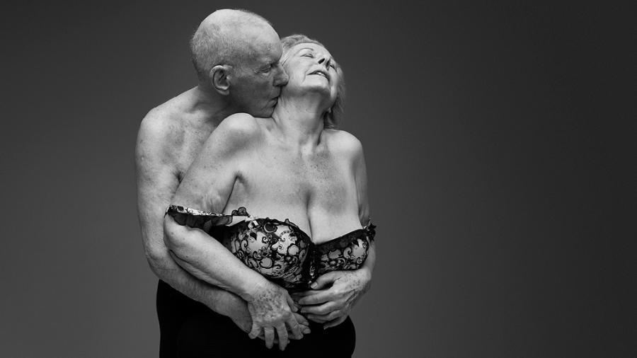 "ONG Relate lançou a campanha ""The Joy of Later Life Sex"" nesta semana para falar sobre sexo entre idosos  -   RANKIN/RELATE"