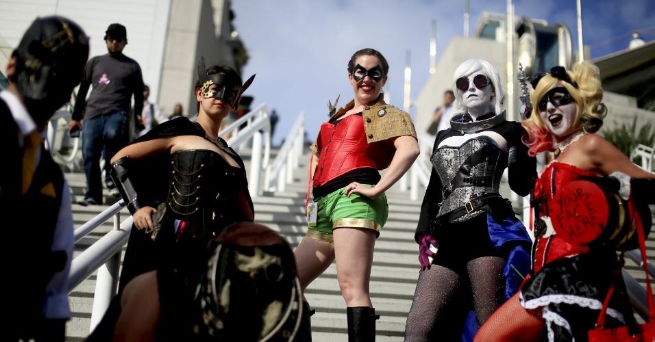 9.jul.2015 - Participantes da Comic-Con se fantasiam de heroínas