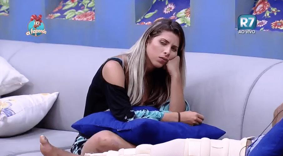 1.nov.2015 - Ana Paula ficou chateada após conversa com Mara sobre o Thiago Servo.