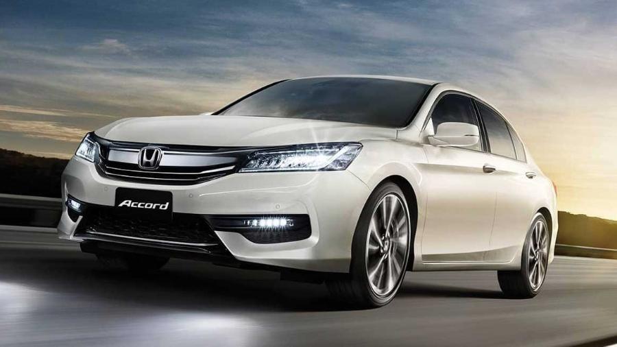 Modelo de geração anterior e o atual Honda Accord (foto) estão envolvidos no chamado - Divulgação