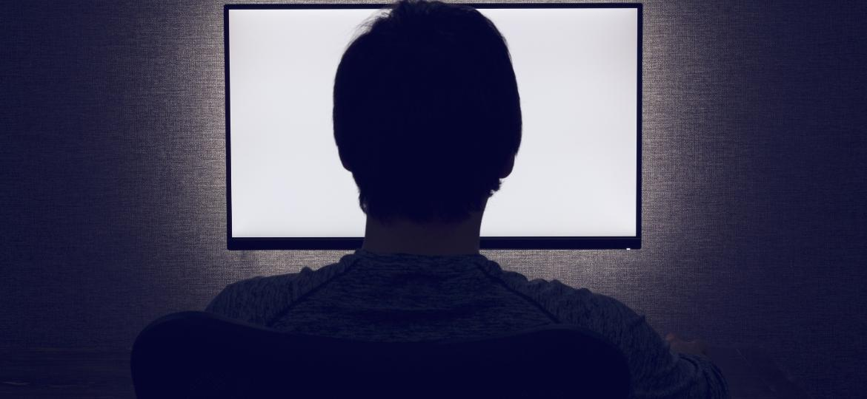 A compulsão, além da relação sexual tradicional, envolve práticas solitárias, como masturbação e consumo de pornografia. Todas em excesso - Getty Images