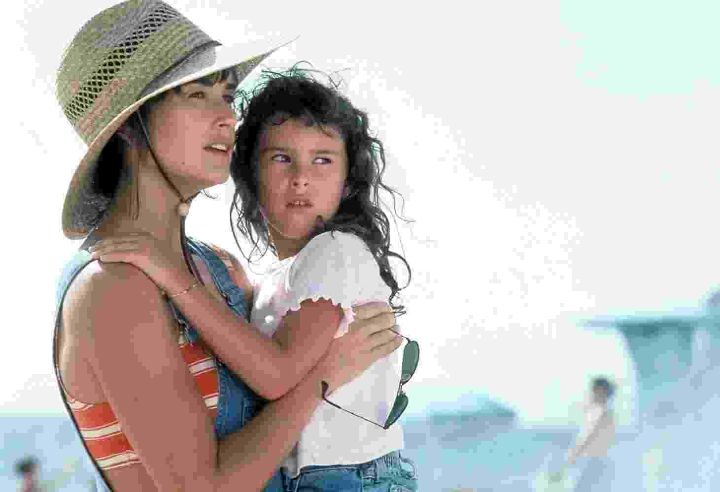 """Demi Moore e Rumer Willis em """"Striptease"""" (1996) - Divulgação"""