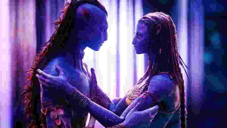 Zoe Saldana e Sam Worthington em cena de Avatar (2009) - Divulgação