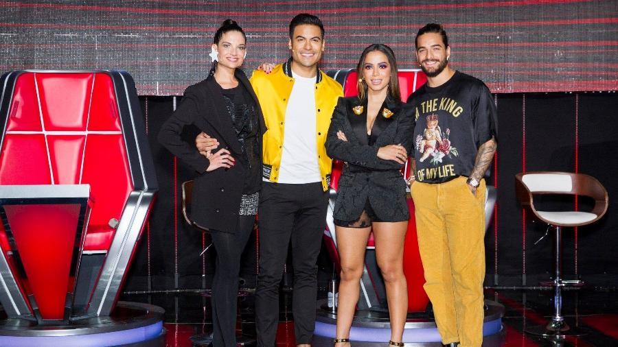 """Anitta e os outros técnicos do reality show """"La Voz"""", do México - Facebook/Reprodução"""