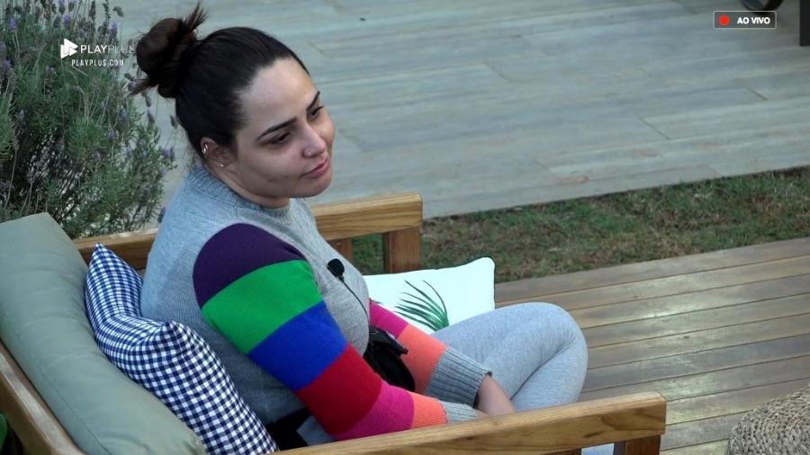 Perlla conta sobre sua infância para os demais peões - Reprodução/PlayPlus